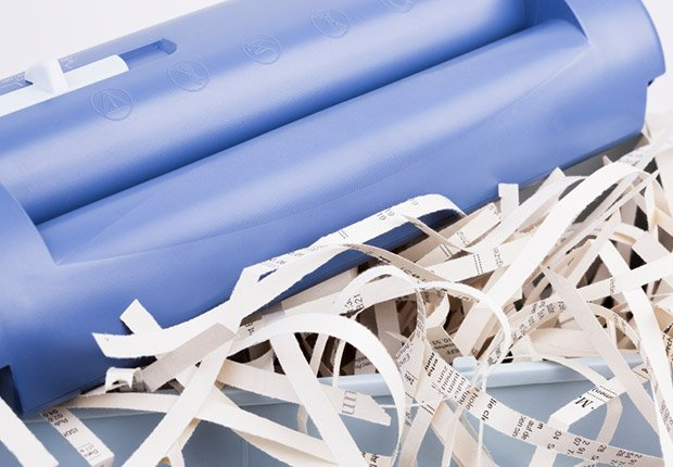 Shredding papers, Anatomy of an Identity Theft