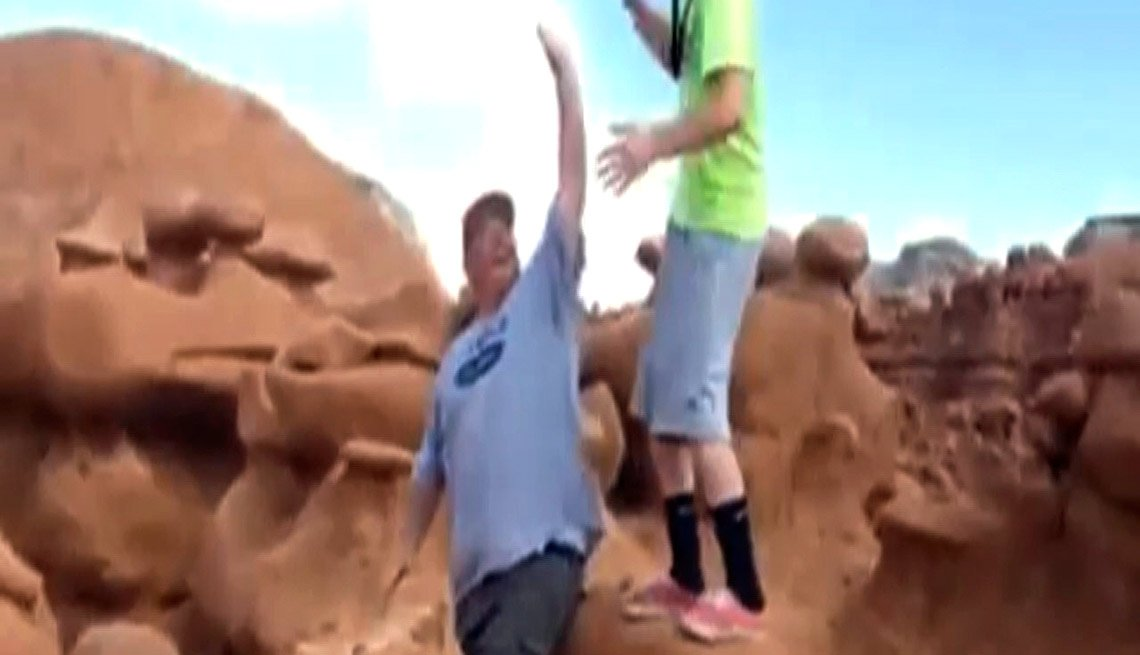 Glenn Taylor, filmed pushing over a 2,000-pound boulder, Goblin Valley State Park, That's Outrageous