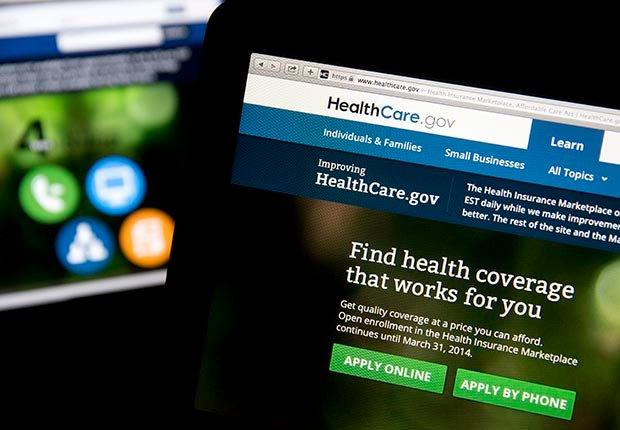 La página web Healthcare.gov se muestra en el computador portátil.