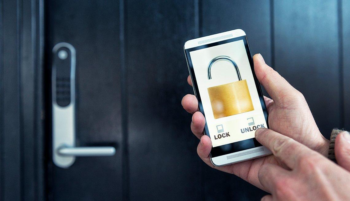Smartphone, unlock hotel room with app, Trends in 2015