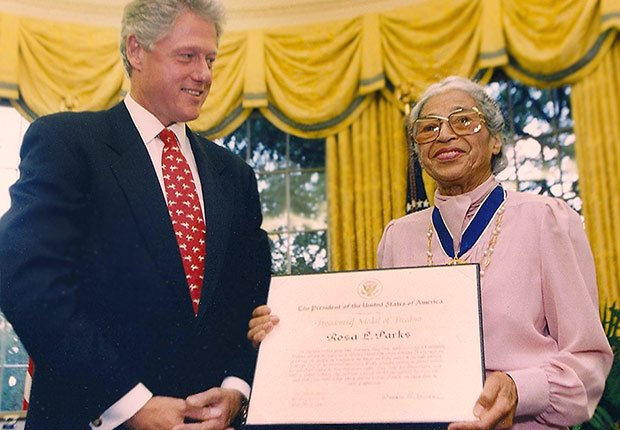 President Bill Clinton gives Rosa Parks the Presidential Medal of Freedom, 9/14/1996