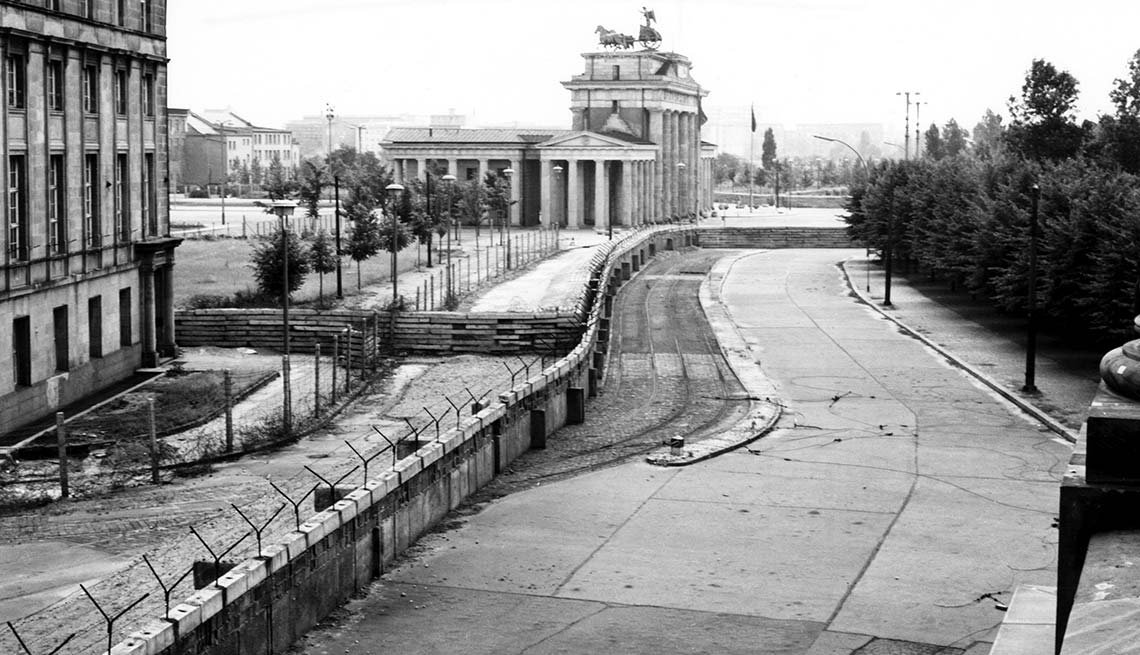 No-Man's Land, Brandenburg Gate, Berlin, 25th anniversary, Fall of the Berlin Wall
