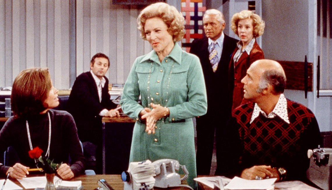 8 Celebrities Who Became Fabulously Famous - Betty White