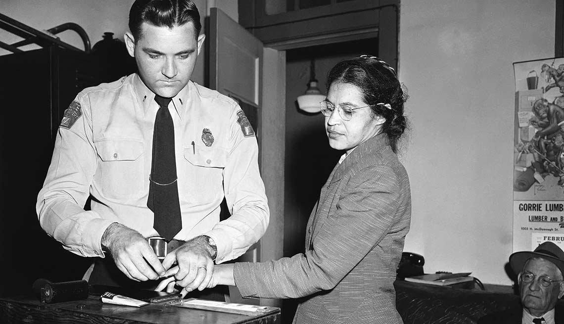 Rosa Parks desafía a la América blanca