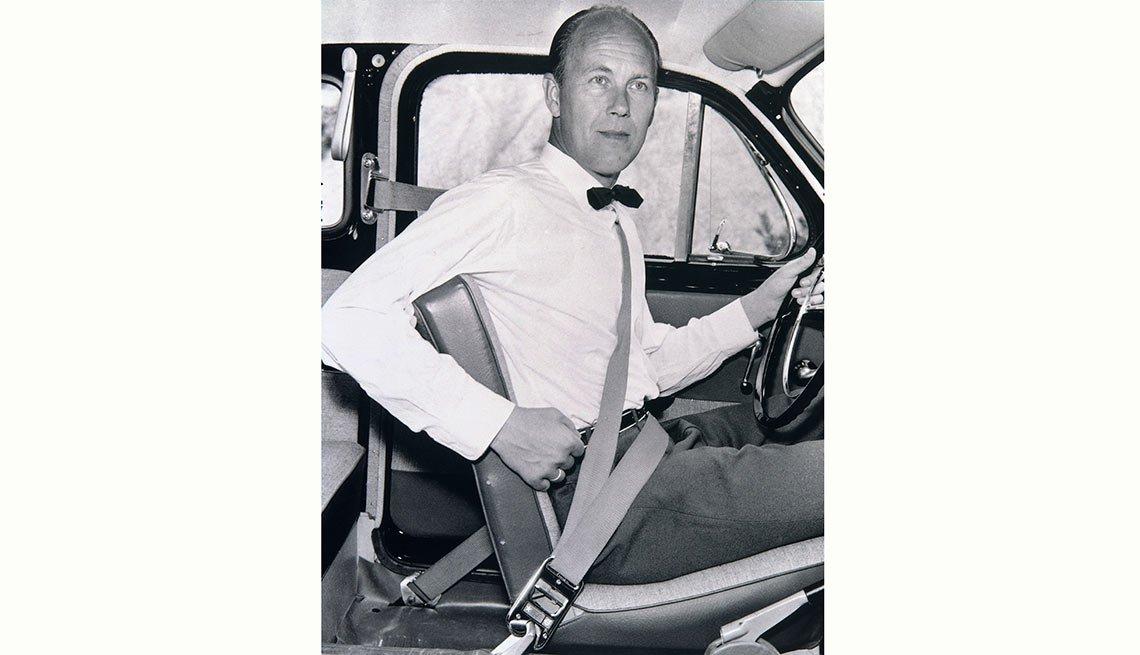 Nils Bohlin, creador del cinturón con el arnés de tres puntos de anclaje