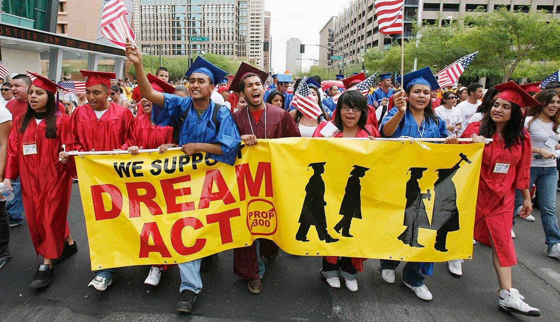 Estudiantes marchan a favor de la reforma migratoria y el Dream Act, Derechos Civiles chicanos