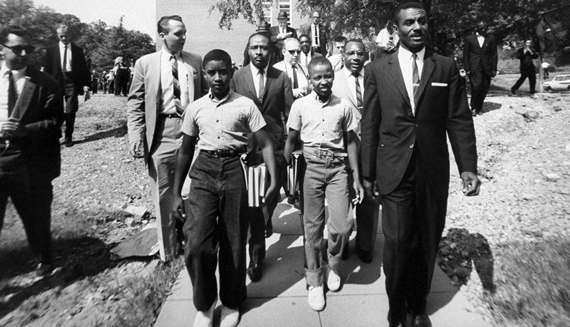 The Struggle for Civil Rights - Black students head to Birmingham's all-white Graymont school