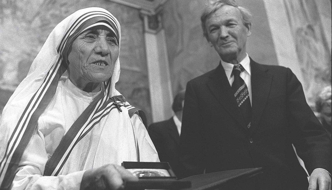 Madre Teresa obtiene el Premio Nobel de la Paz