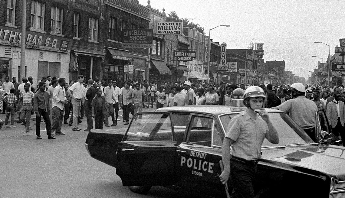 1967 the year of change, Summer of Anger  Detroit Riots