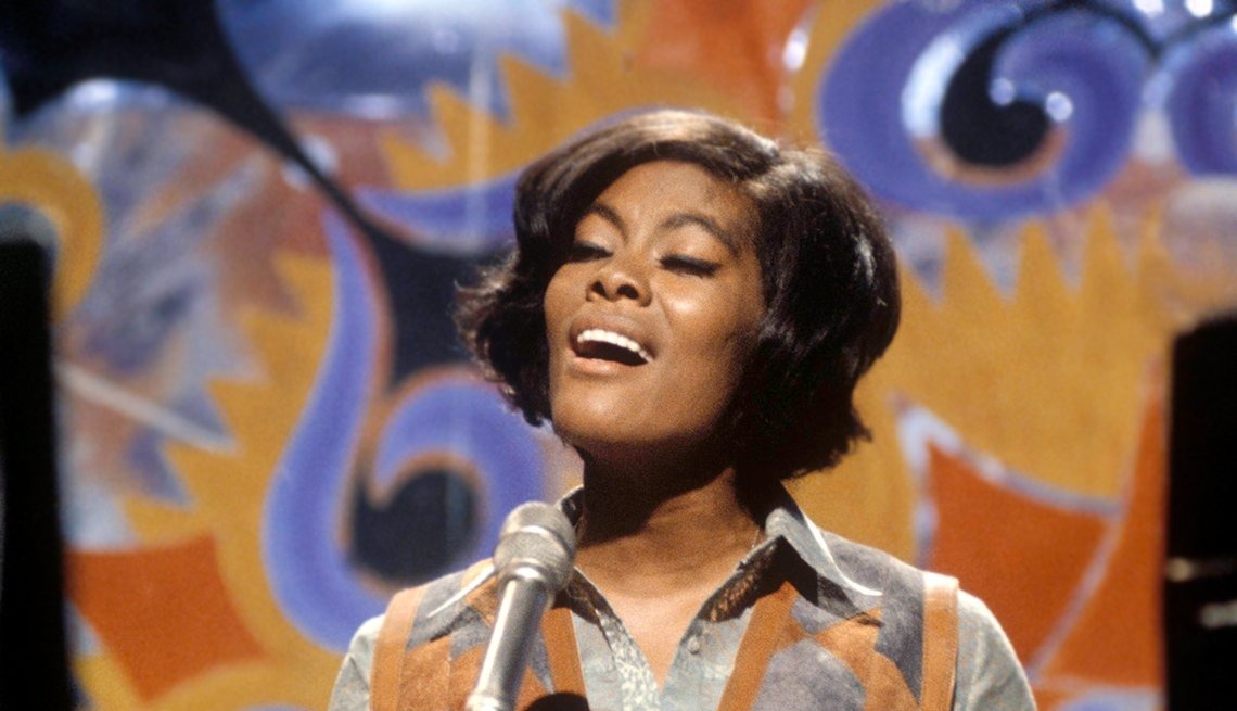 12 R&B Hits Still Applauded 50 Years Later -  Dionne WARWICK