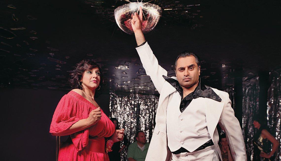 Meera Syal and Sanjeev Bhaskar, Join the Disco Inferno