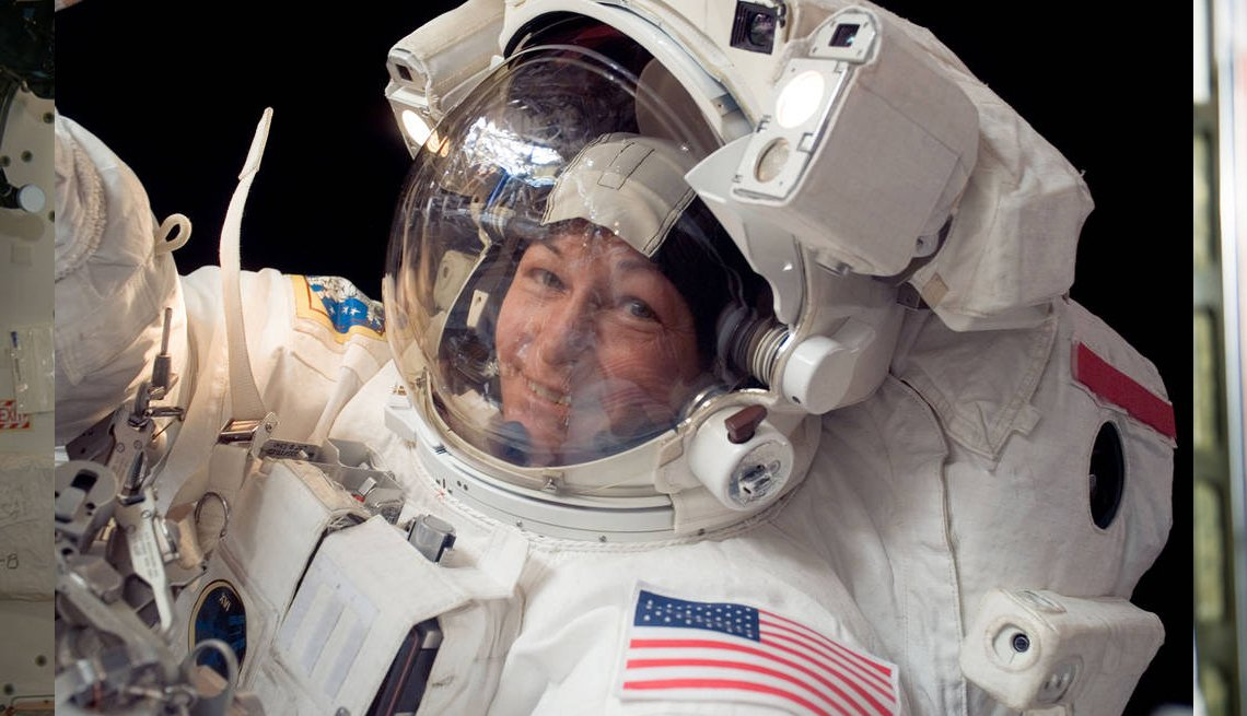 Peggy Whitson Sets Record for Time in Space