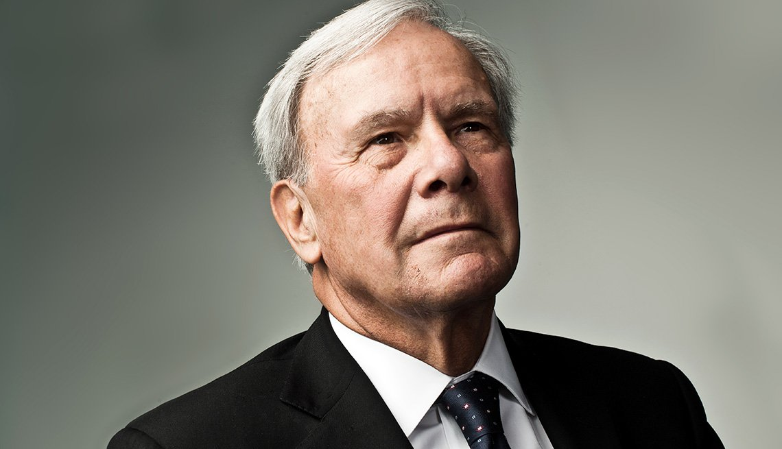 Smithsonian to Honor Tom Brokaw