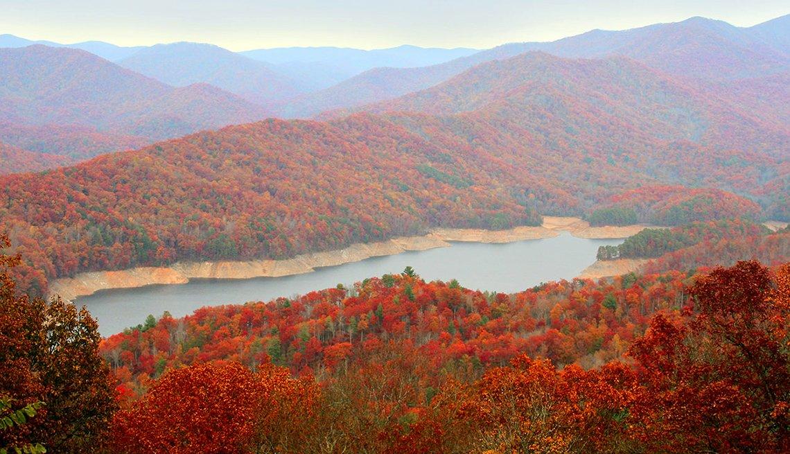 Viajes para observar los paisajes de otoño