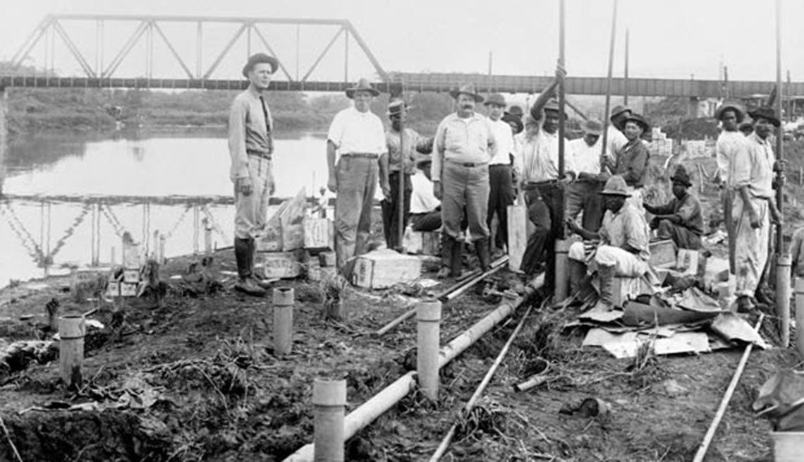 Los trabajadores durante la construcción del Corte Culebra, 10 ,Los trabajadores durante la construcción del Corte Culebra, 10