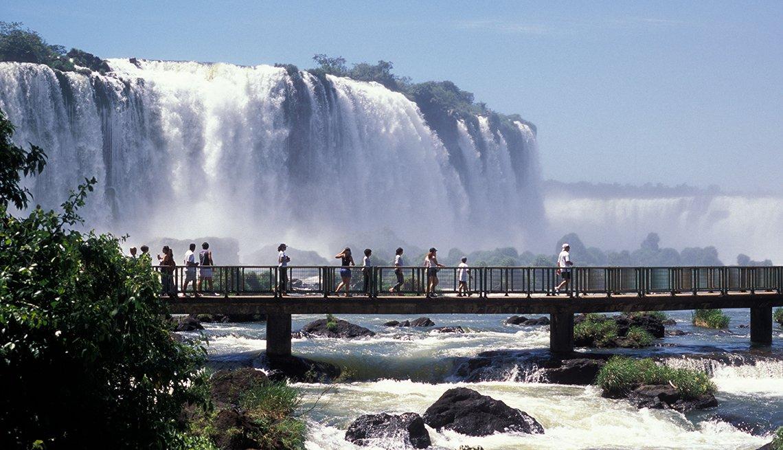 Cataratas de Iguazú, Argentina - De viaje por los países más felices de América Latina