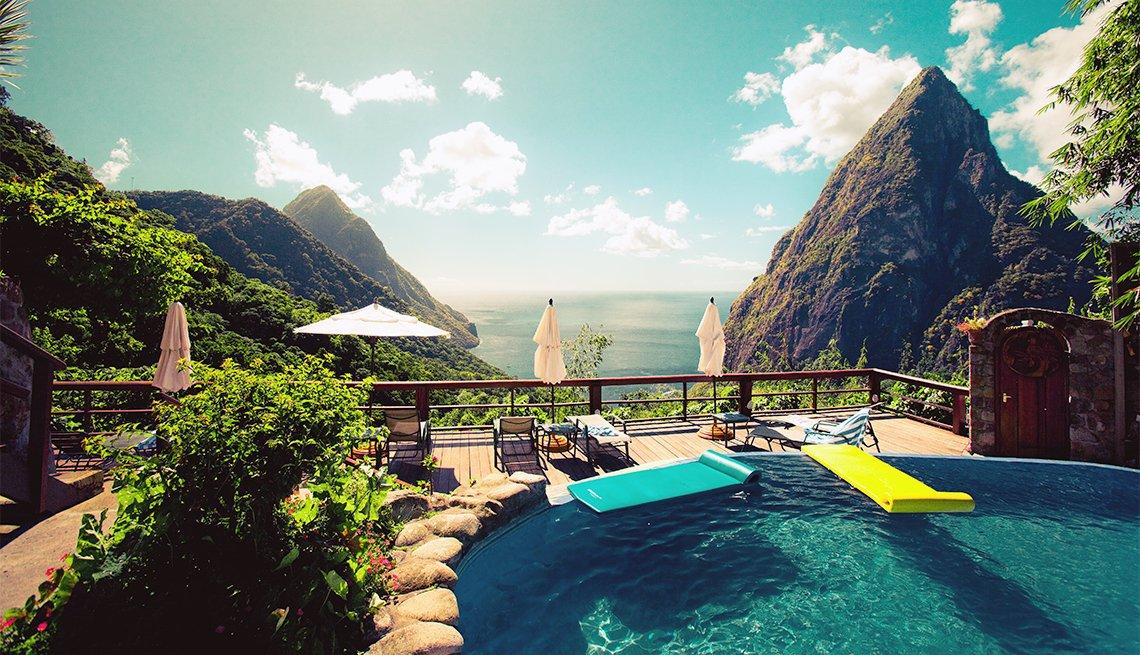 Vista desde una piscina en Pitons, Santa Lucia