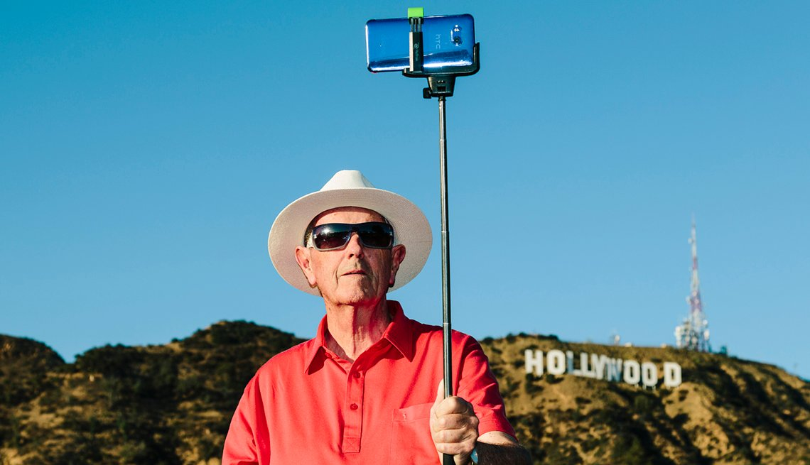 Andrew Hetherington Takes His Dad Stuart On Vacation Hollywood