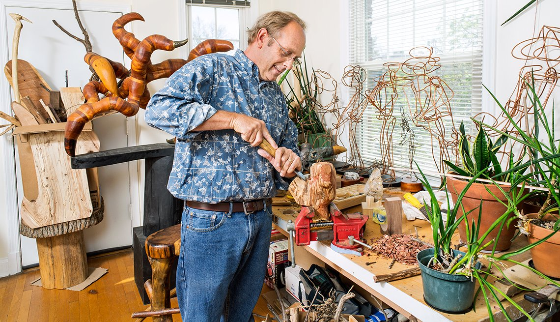 Danny Robbins, Artist and Smithsonian volunteer