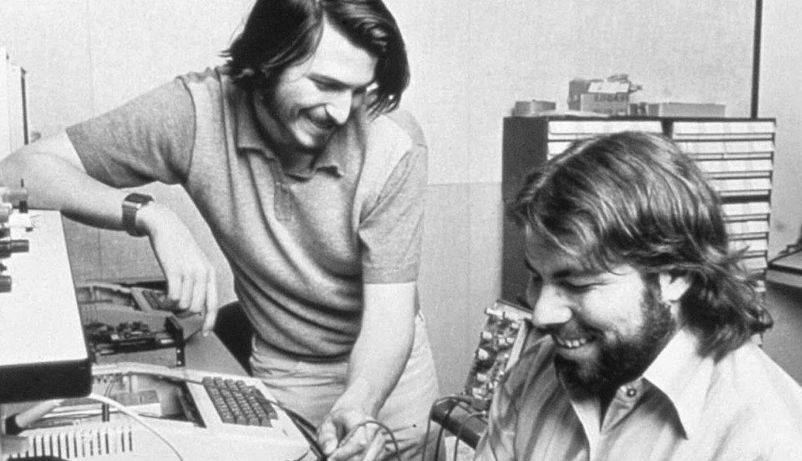 Steve Jobs and Steve Wozniak, Apple, Creative Thinking,