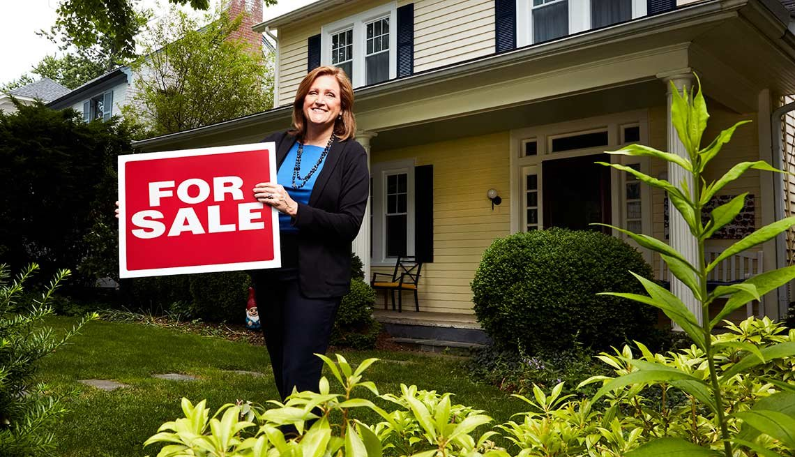 Real Estate Agent Melissa Watts