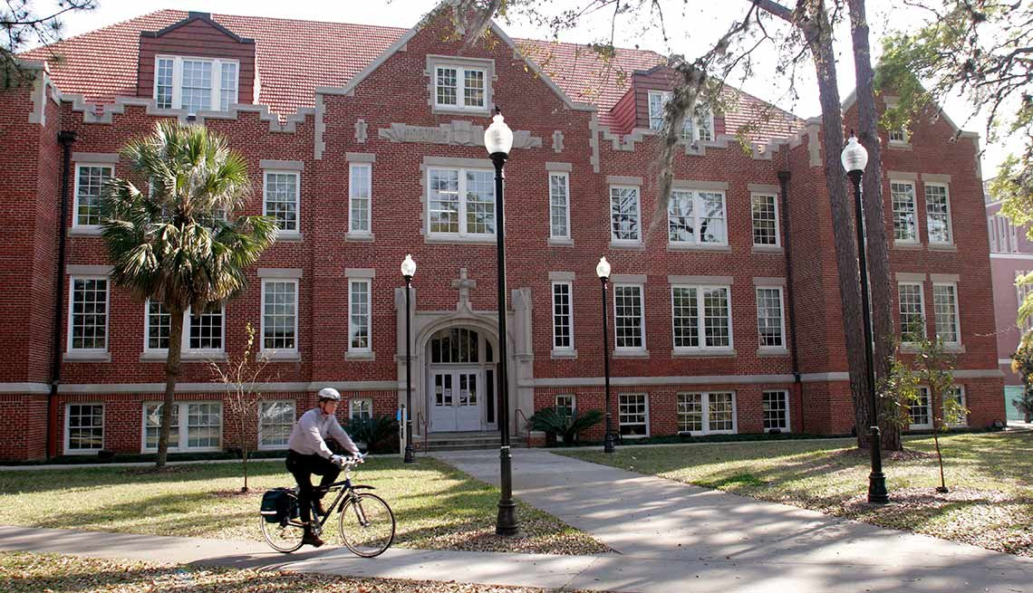 10 Great Places to Live and Learn -  Gainesville, Fla.