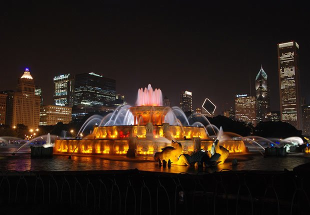 Buckingham Fountain by Joe O'Grady. 2014 Calendar Contest Winners.