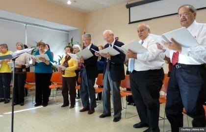 Seniors participate in arts programs at public libraries through Lifetime Arts. (Courtesy Lifetime Arts)