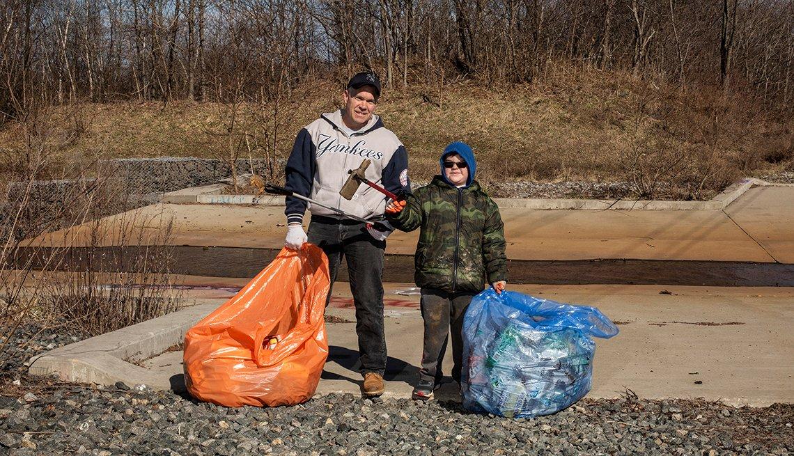 Volunteers cleaning up the neighborhood