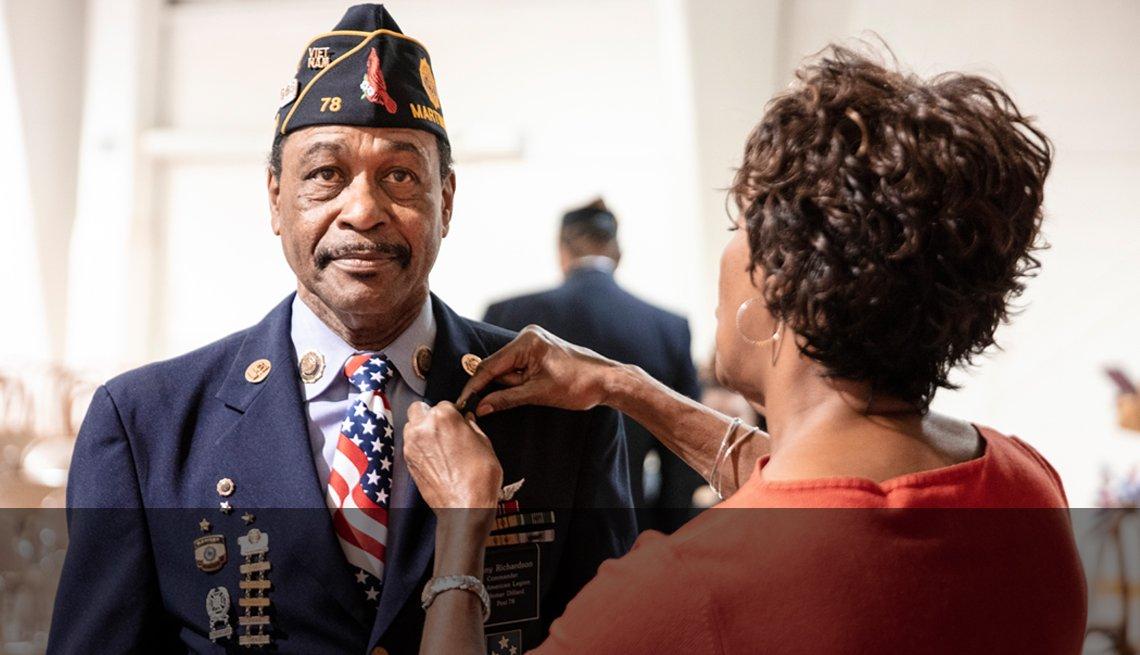 Veterano del ejército está siendo condecorado