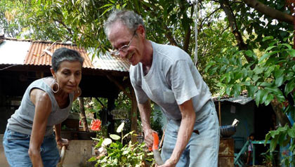 Husband and wife volunteer in Nicaragua-AARP partners with the Peace Corps to help AARP members pursue their dreams