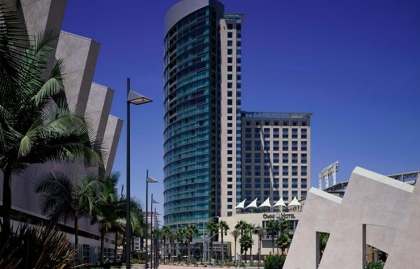 Exterior view of Omni Hotel in San Diego