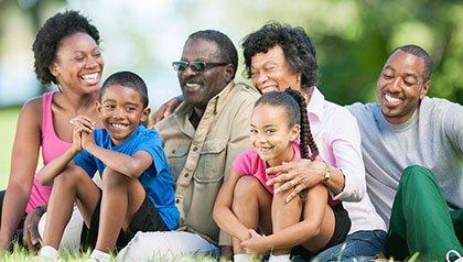 Mes de la Historia Afroamericana - familia en parque