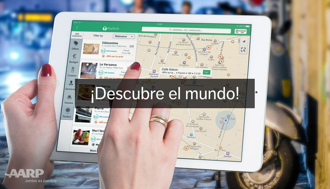 Descumbre el mundo! A A R P Real Possibilites. Woman's hands hold white tablet device showing map