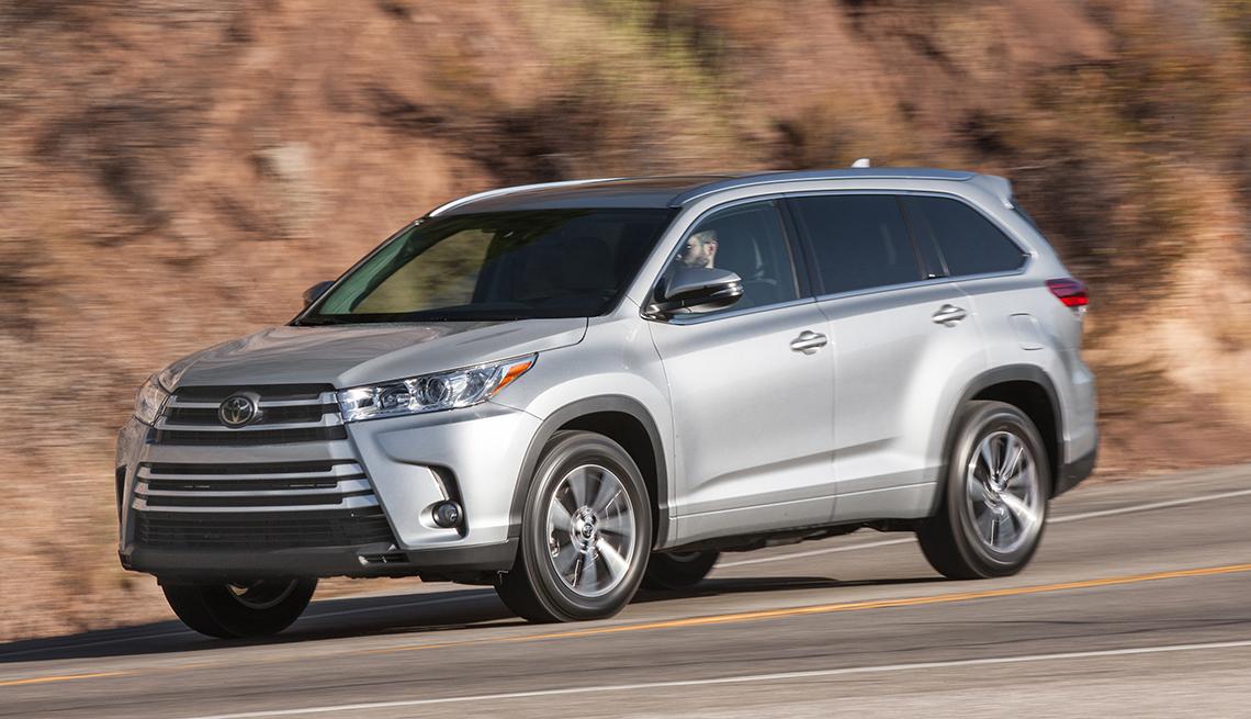 2017 Toyota Highlander - Los mejores autos para viajar en la carretera