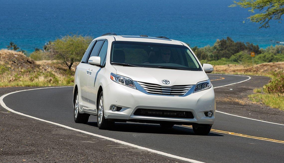 2017 Toyota Sienna - Los mejores autos para viajar en la carretera