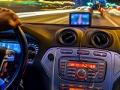 La nueva tecnología de los autos nos conduce a la distracción