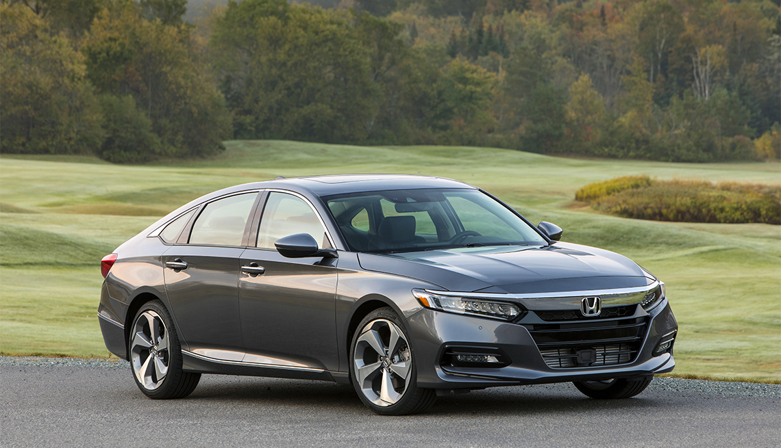 item 5 of Gallery image - 2018 Honda Accord Touring 2.0T in countryside