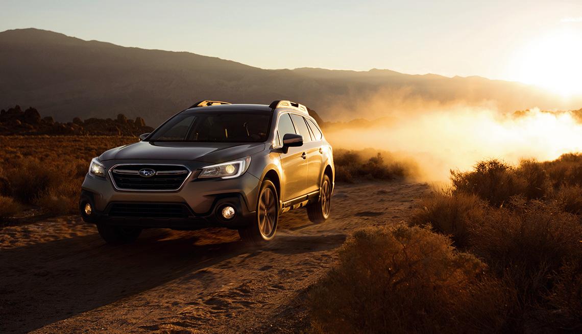 item 7 of Gallery image - 2018 Subaru Outback on dirt road