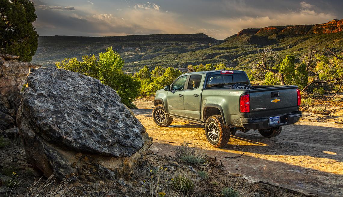 item 4 of Gallery image - 2018 Chevrolet Colorado ZR2