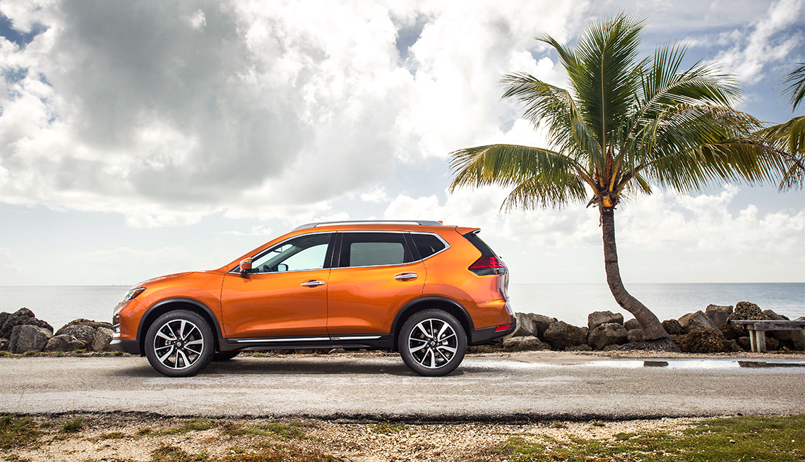item 9 of Gallery image - 2018 Nissan Rogue