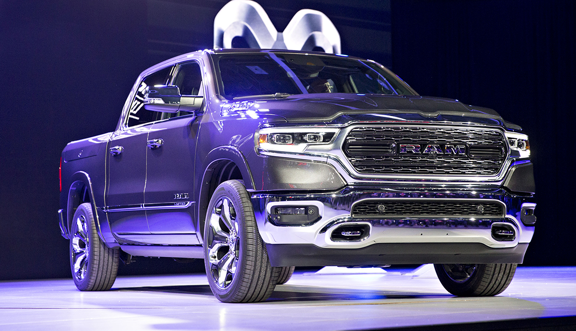 item 2 of Gallery image - Dodge Ram 1500 Limited 2019.