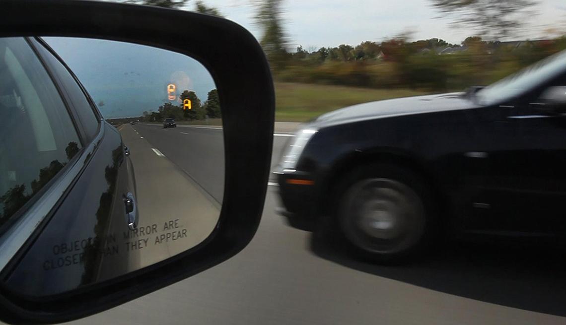 blind spot detection monitor