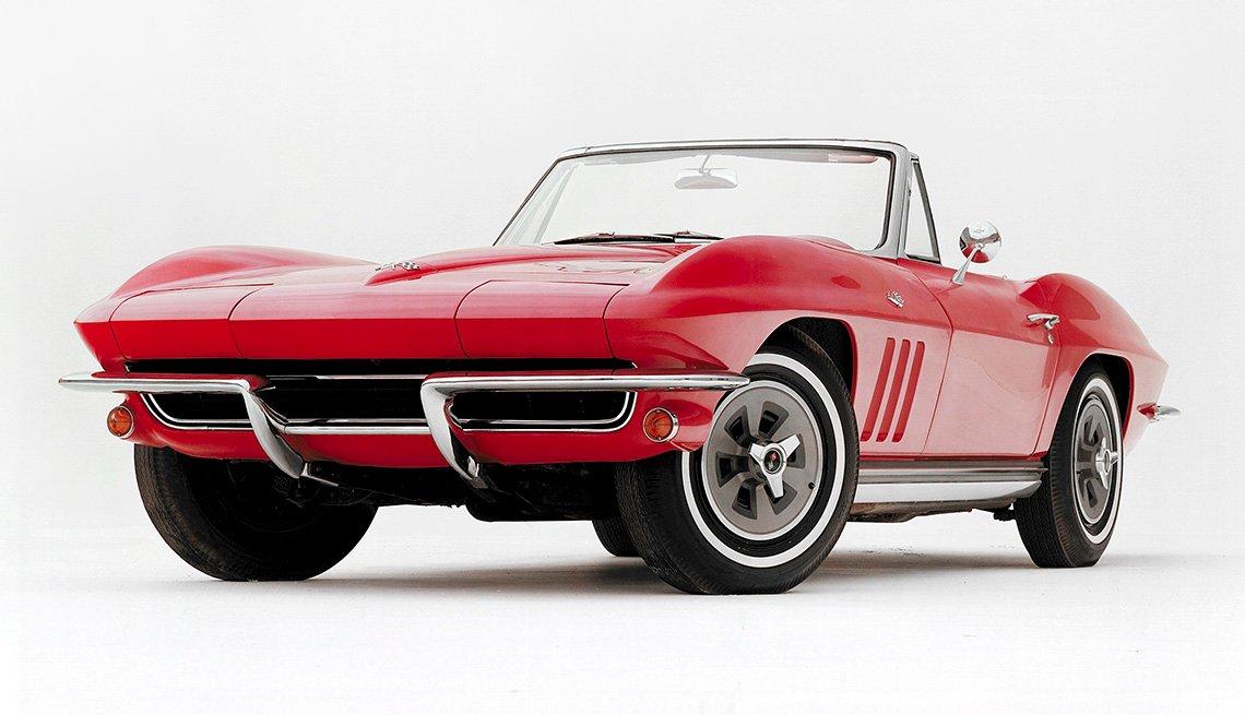 item 2, Gallery image. Generación C2: Corvette convertible modelo 1965, de Chevrolet