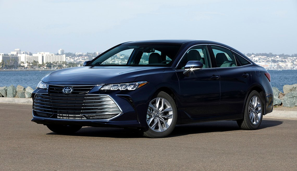 item 2 of Gallery image - Toyota Avalon XLE 2019