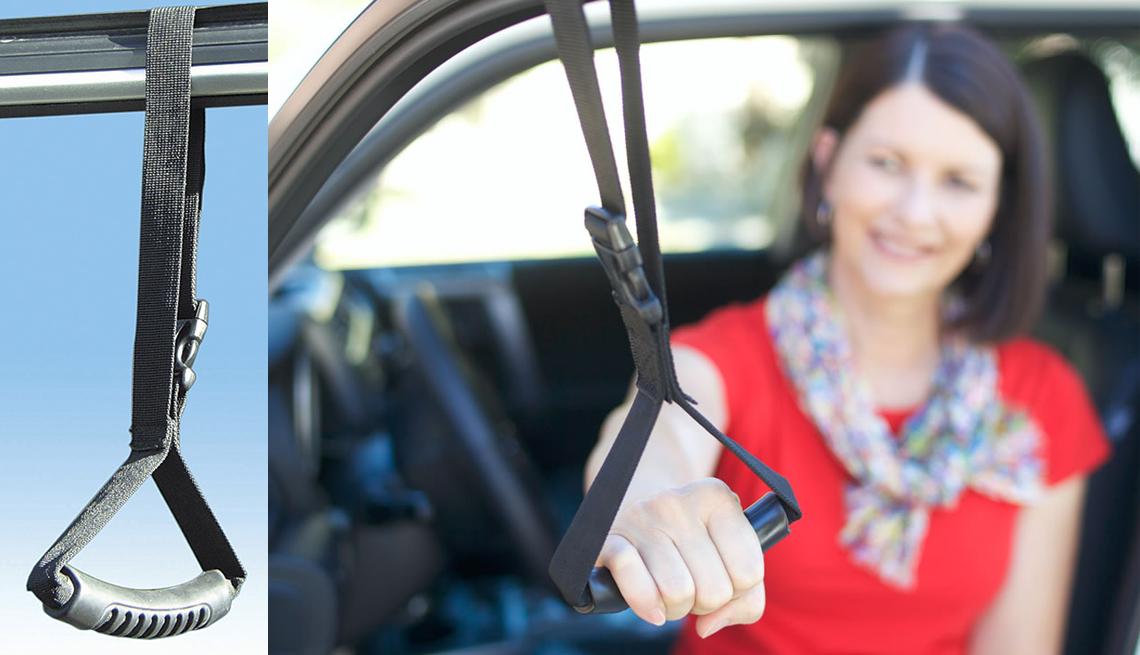 item 2 of Gallery image - Mujer usando un carro de soporte Stander para entrar y salir de un vehículo