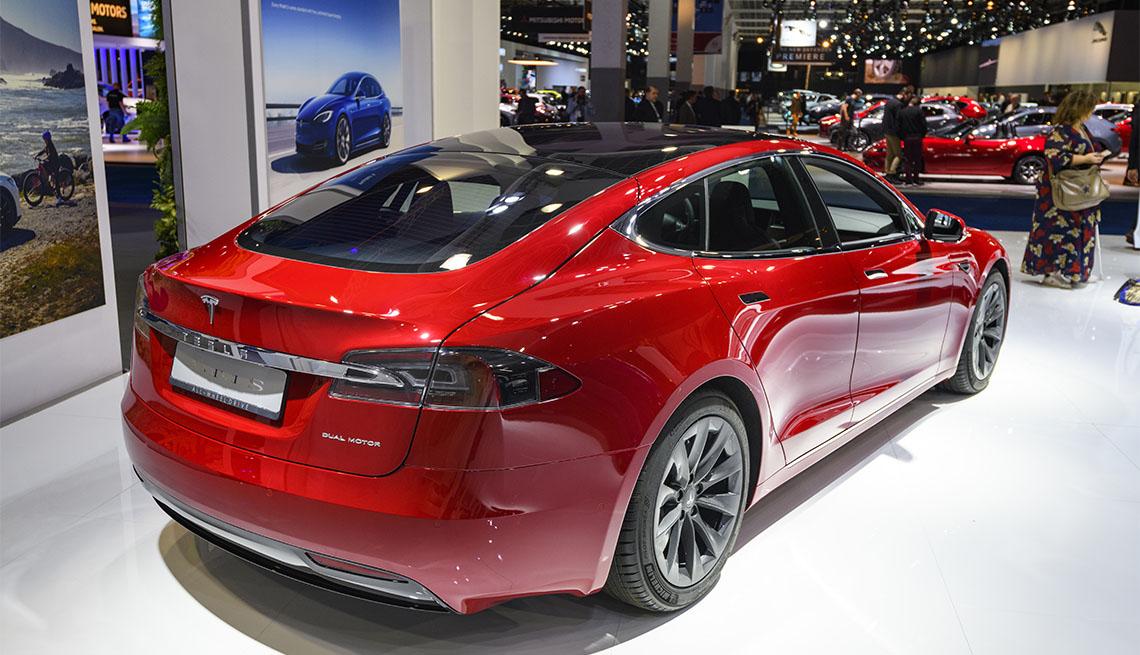item 2 of Gallery image - Tesla Model S dual motor all electric sedan on display at Brussels Expo on JANUARY 09, 2020 in Brussels, Belgium.