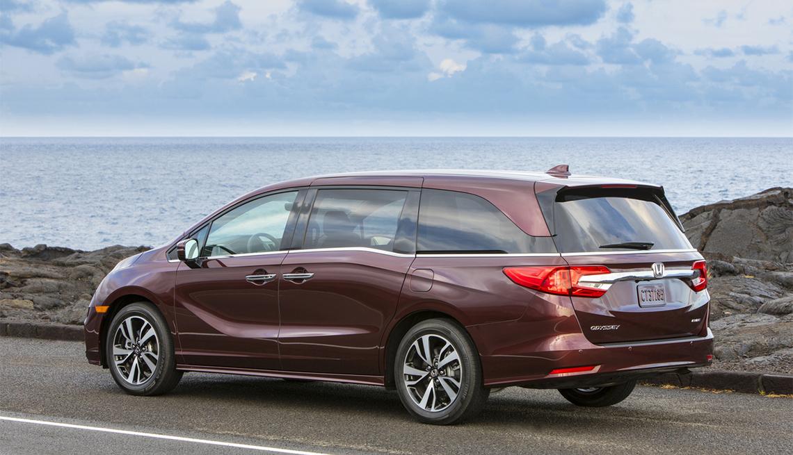 item 6 of Gallery image - 2020 maroon Honda Odyssey