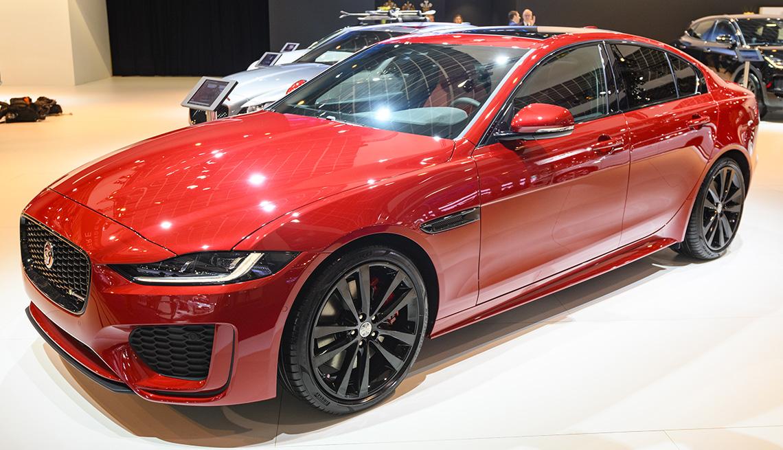 Jaguar XE SE