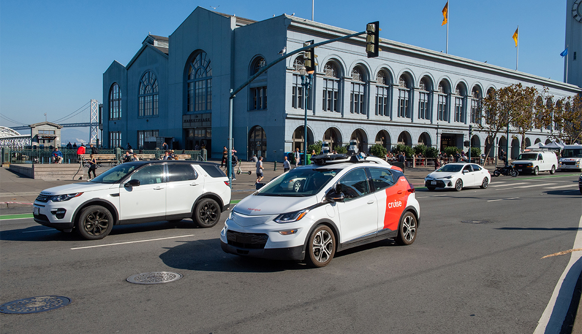A self-driving car of the General Motors subsidiary Cruise is on a test drive